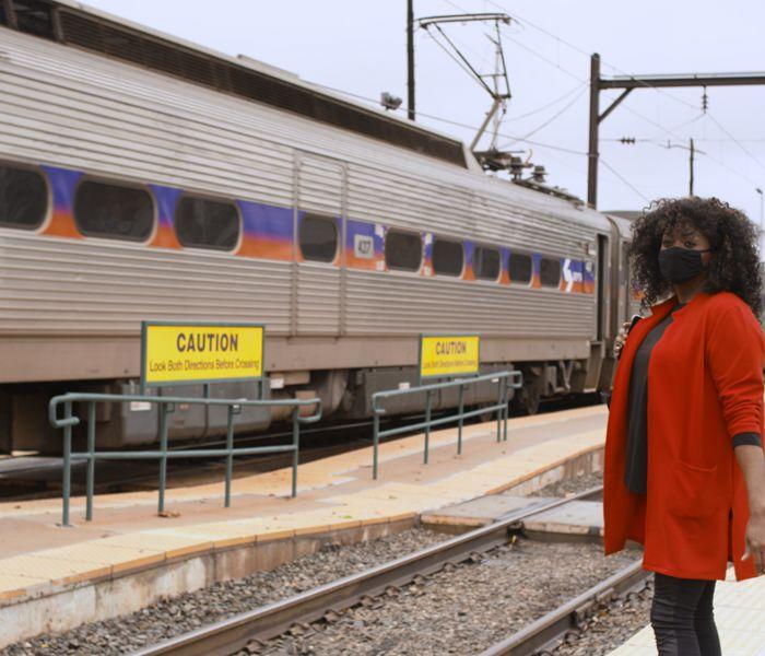Waitingrefionalrail1200x675